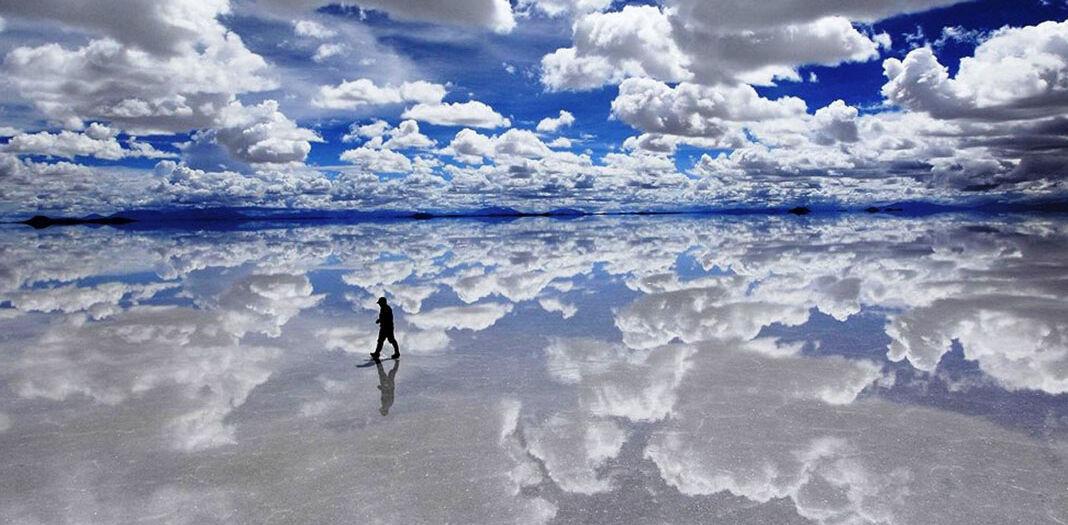 surreal-photos-pt1-salar-de-uyuni-bolivia-salt-flat-mirror