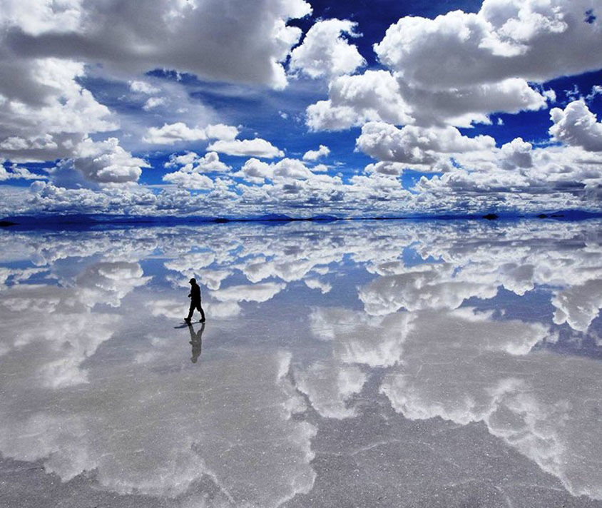surreal-photos-pt1-salar-de-uyuni-bolivia-salt-flat-mirror