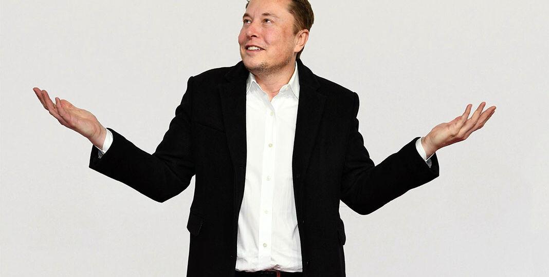 Elon Musk attends the 'Das Goldene Lenkrad' Award in Berlin